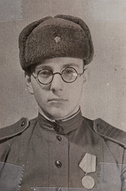 Soldier Leonard Polyak