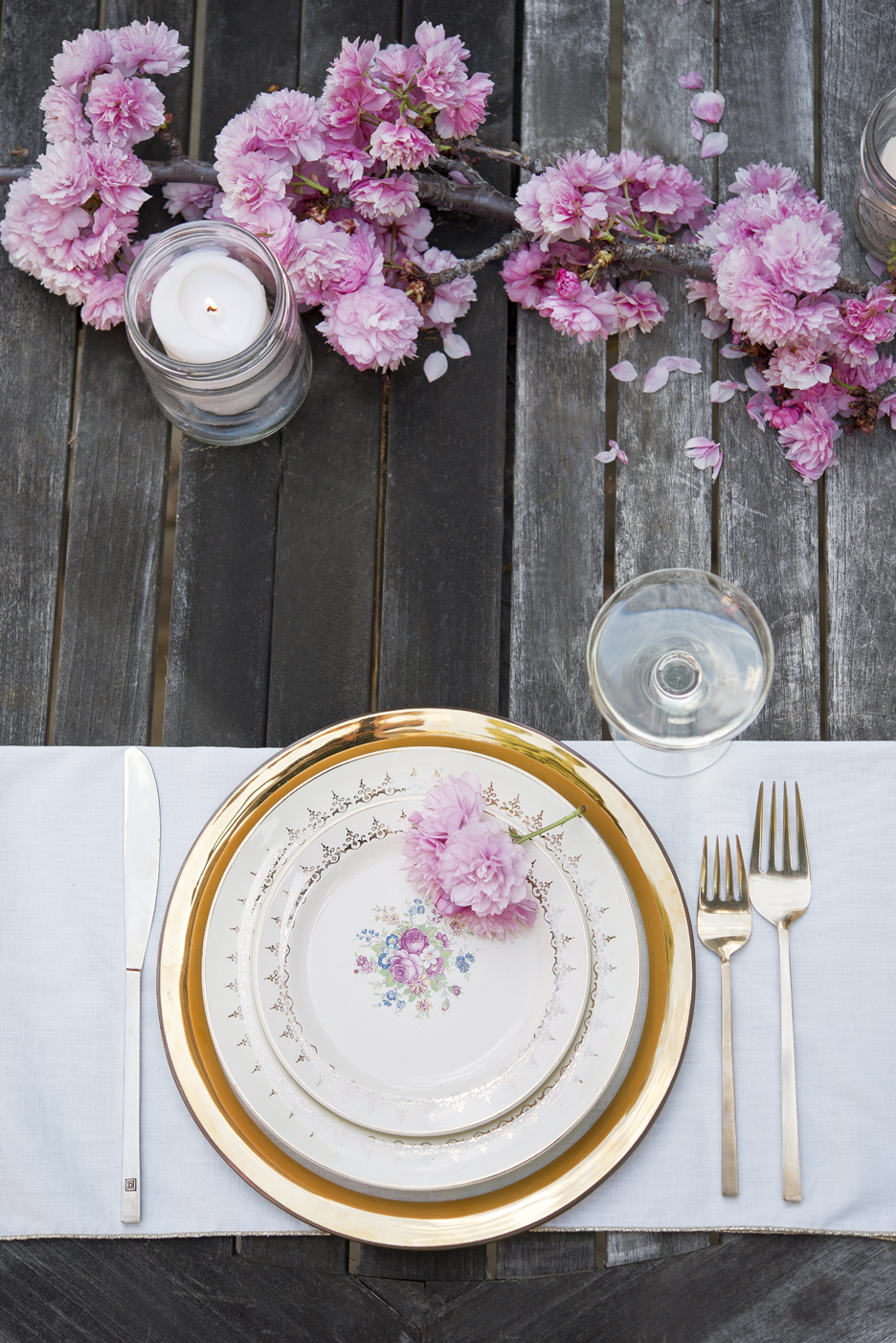 We choose a non-traditional place setting