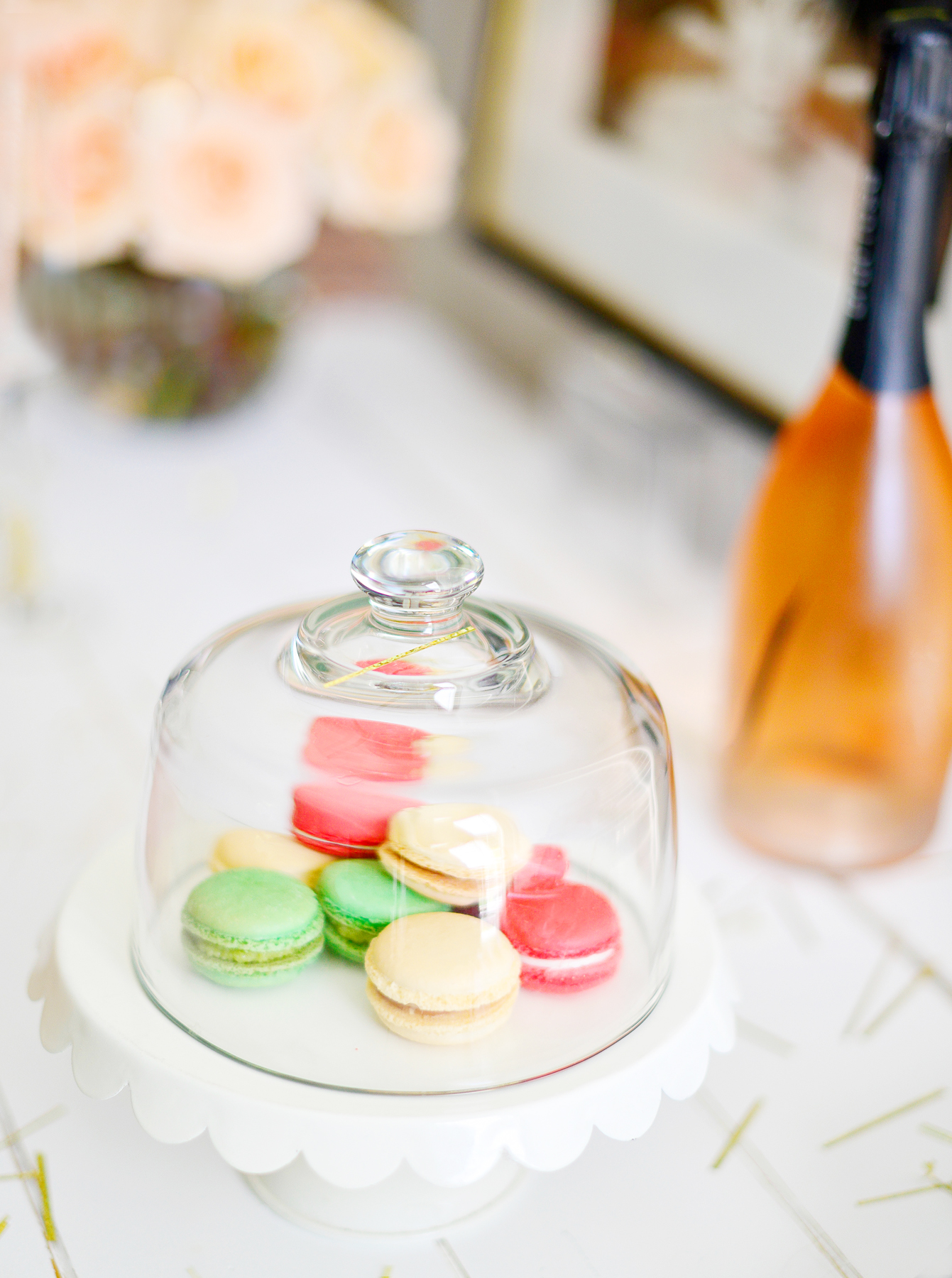 Macarons are a perfect dessert to serve with Champagne. Plusthey make the cutest decorations.