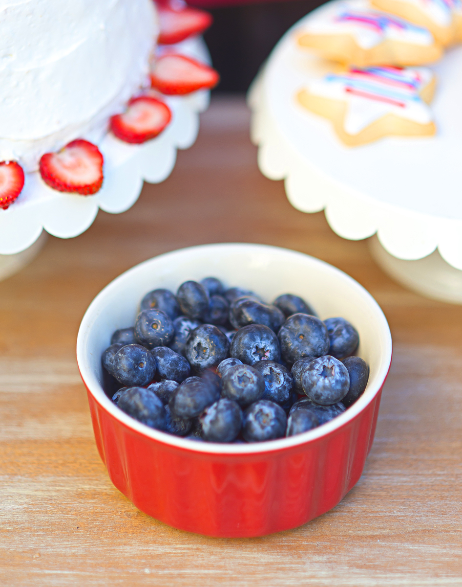 4th of July Dessert table! Add some colorful fruit into the mix, it's healthy and pretty! #blueberries