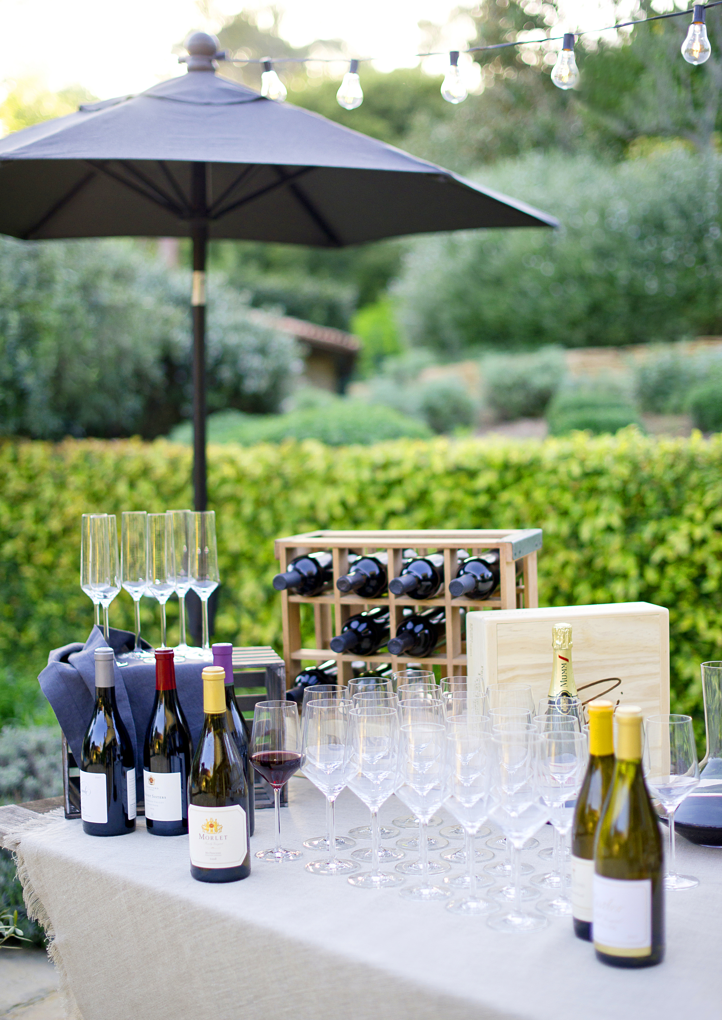 How to Host a Wine Tasting Party!