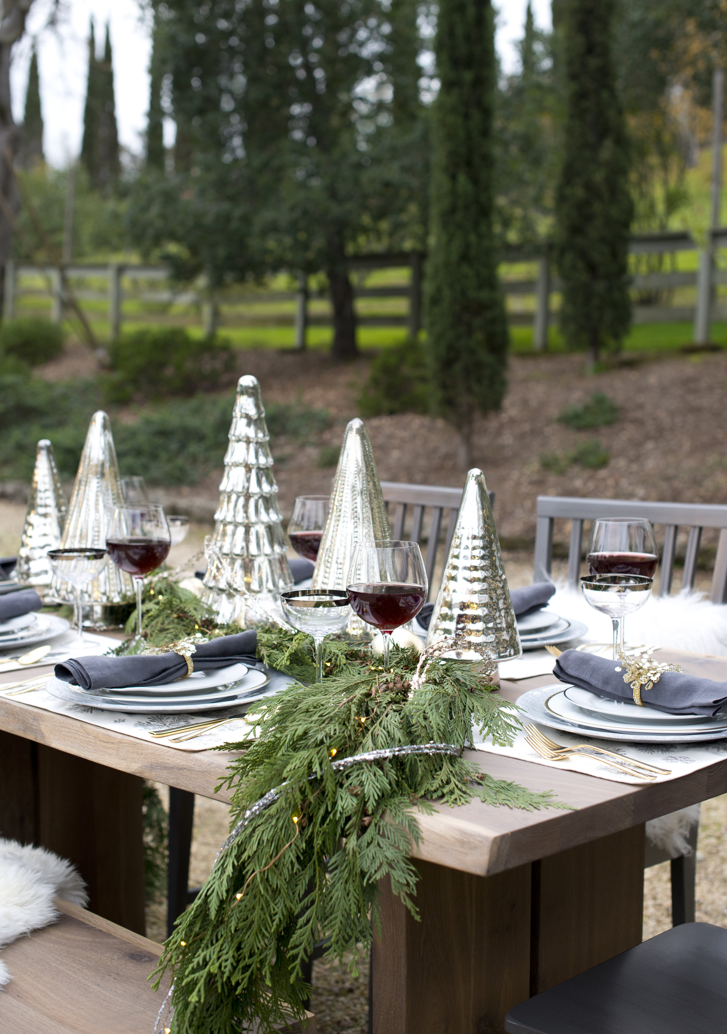Christmas Tablescape Dinnerware