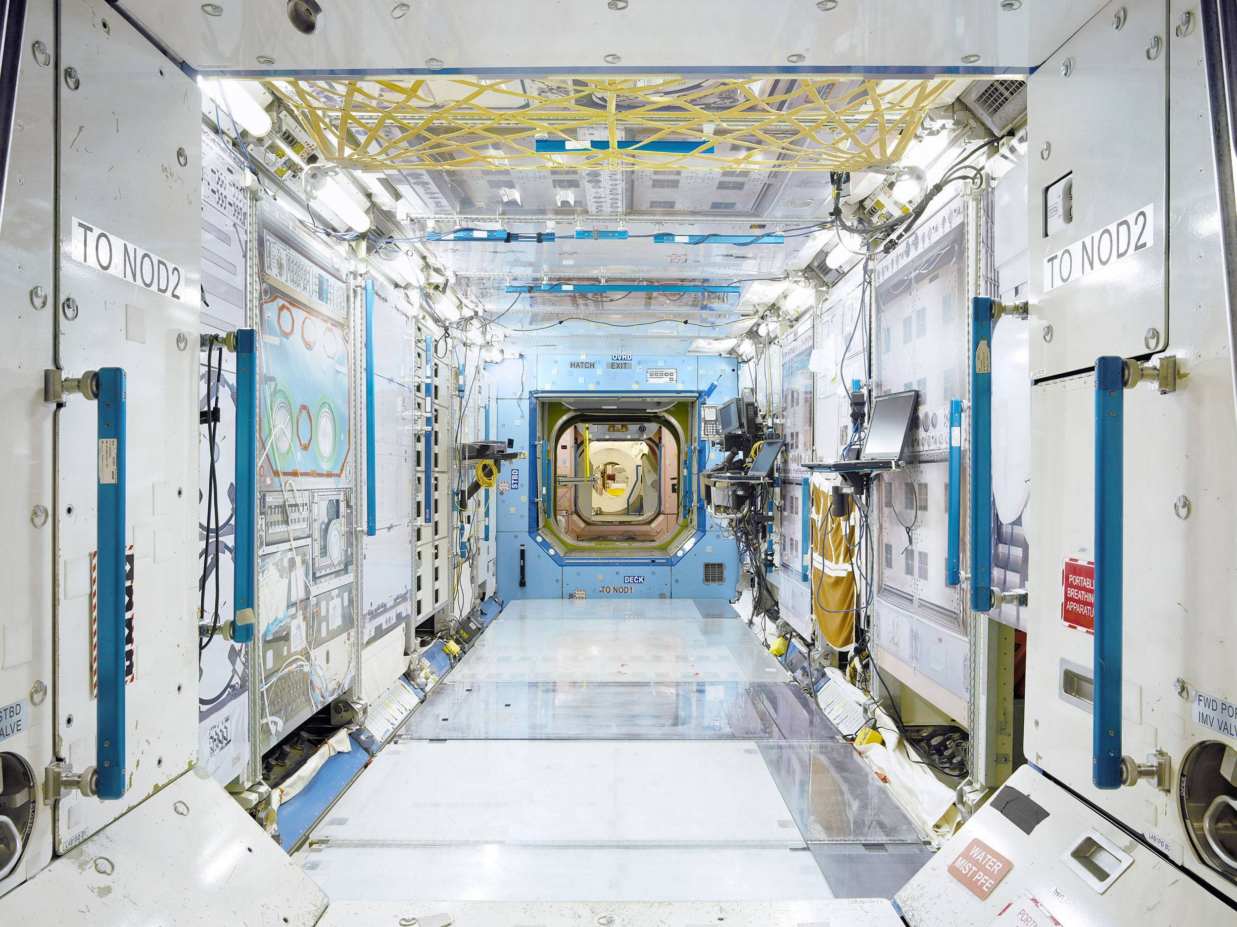 DESTINY MODULE - INTERNATIONAL SPACE STATION (ISS) TRAINER - JOHNSON SPACE CENTRE .jpg
