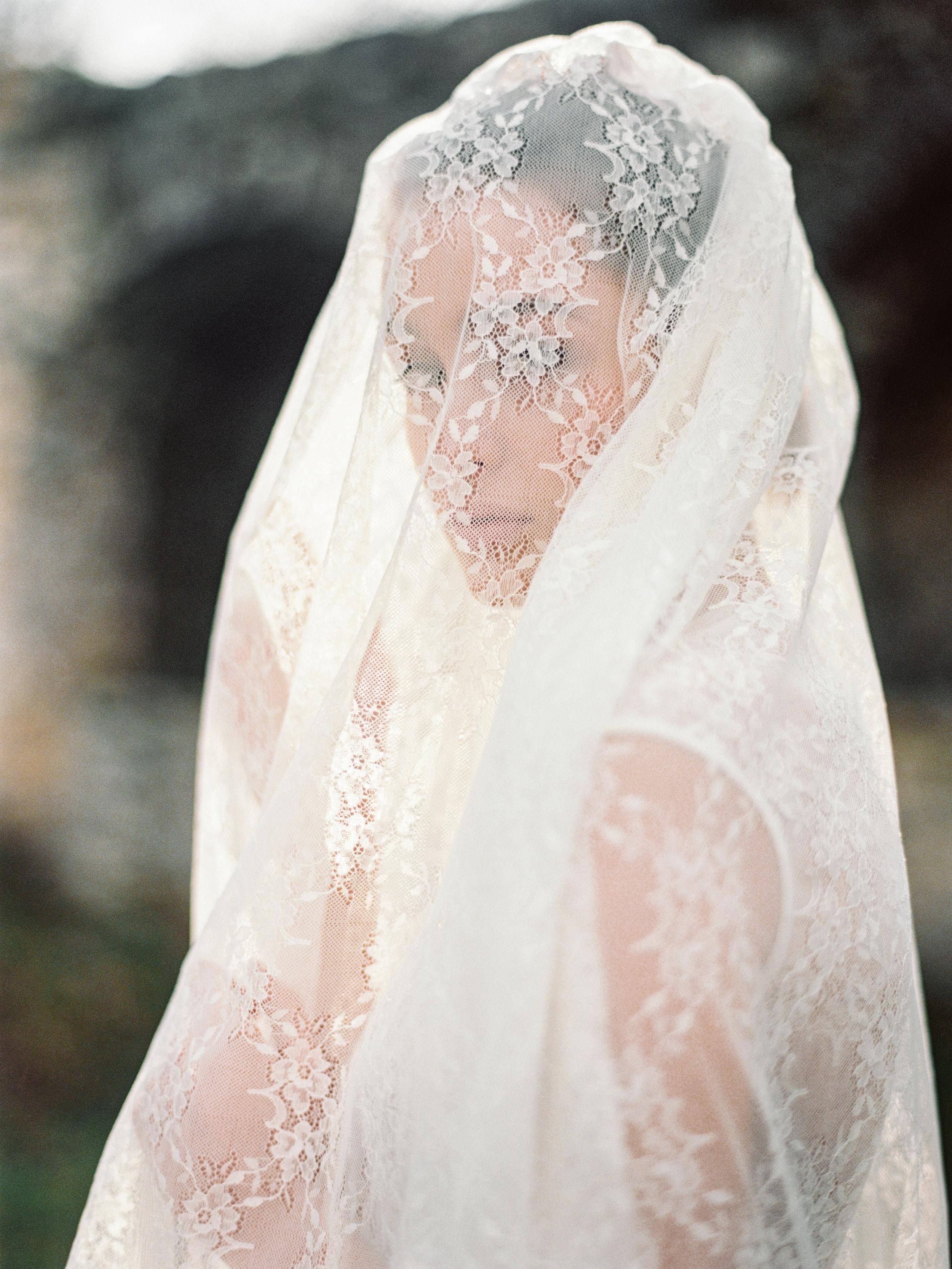 TamaraGigolaphotography,Cathytelle,royalweddingdress,kakheti-0044-6.JPG