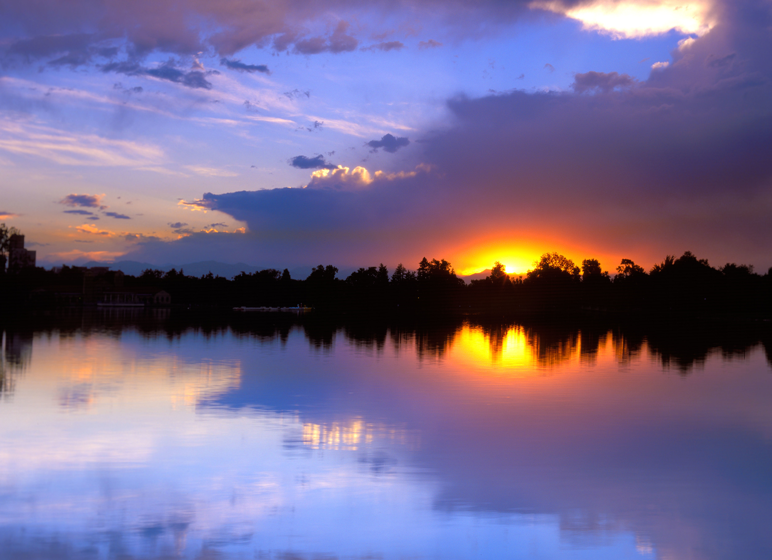 020519 Sunset at City Park Lake.jpg