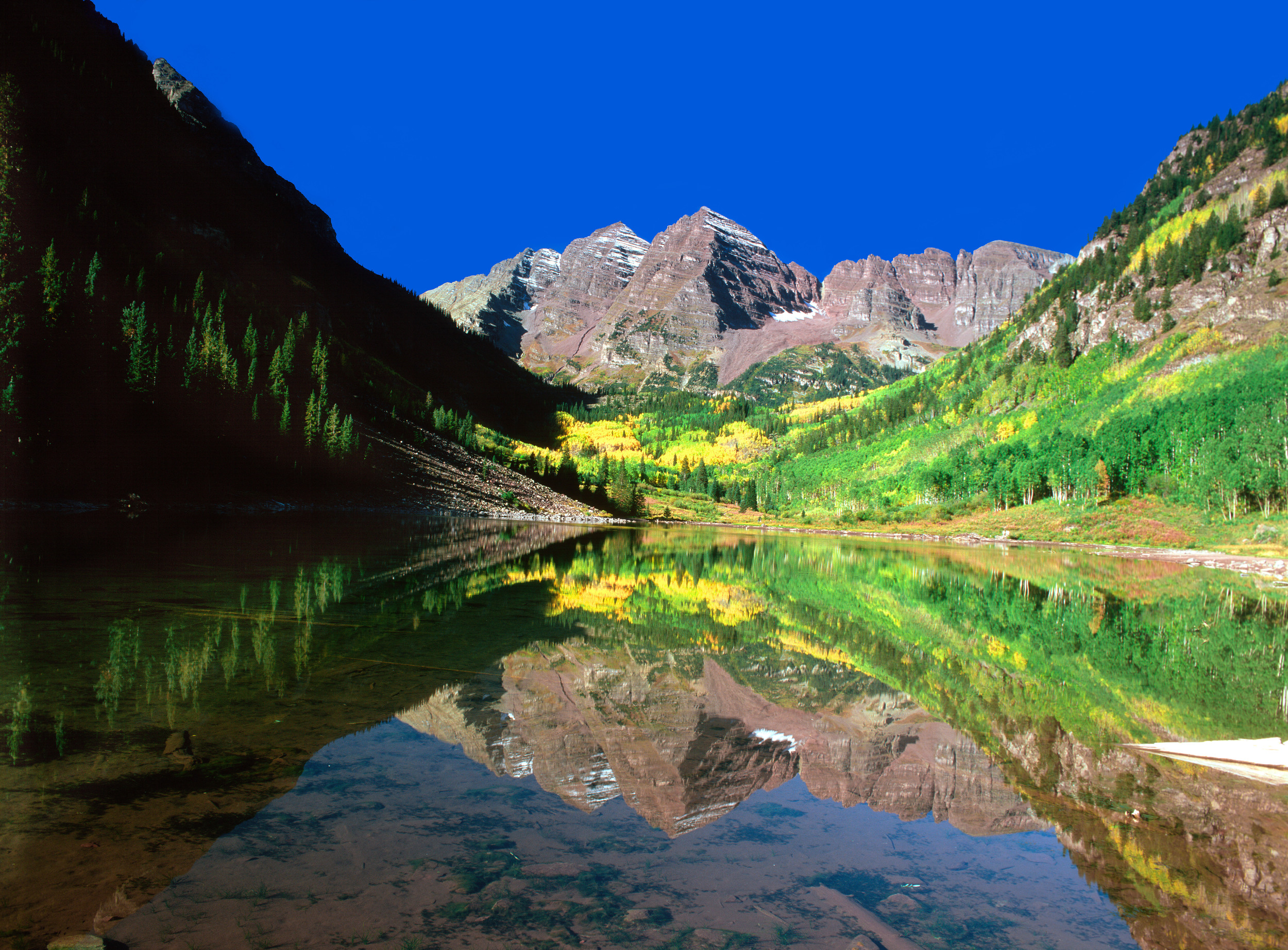 020904_Maroon Lake and the bells.jpg