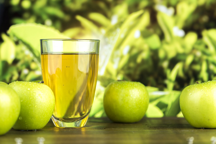 apple cider vinegar as a natural remedy for acne