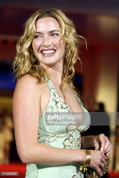 """The """"Velvet"""" Face - Photo by Pascal Le Segretain/Getty Images Entertainment / Getty Images"""