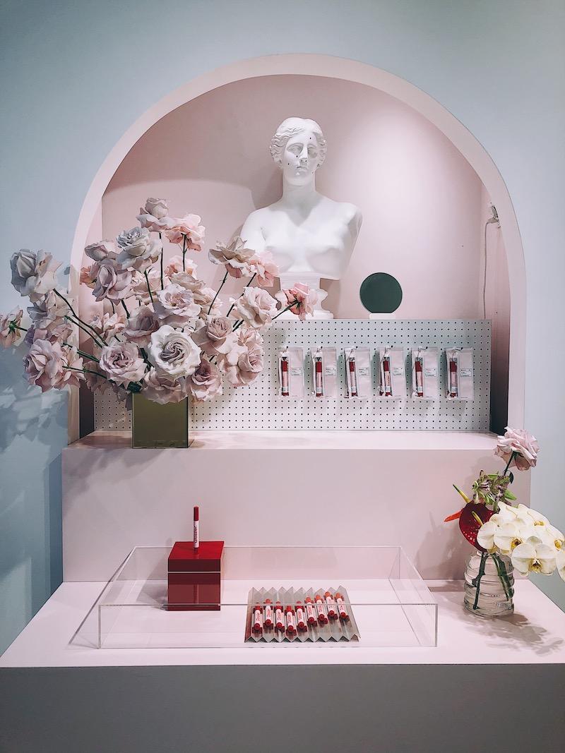 glossier showroom new york city