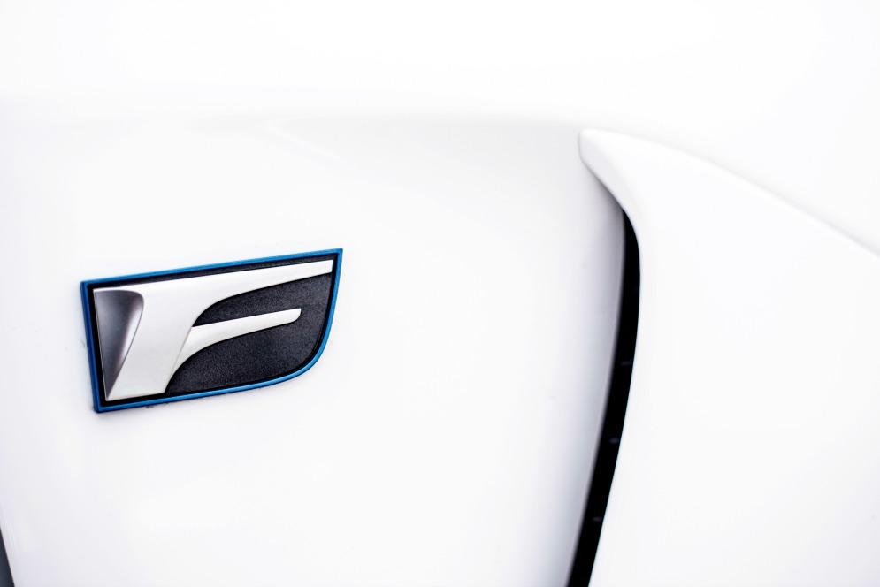 Lexus GS 350 F Sport Exterior 2017 Stephanie Carls.jpg