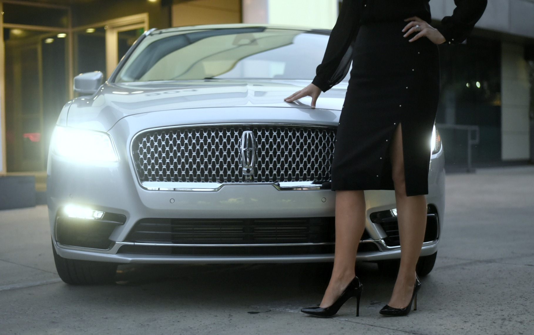 Lincoln-Continental-Exterior