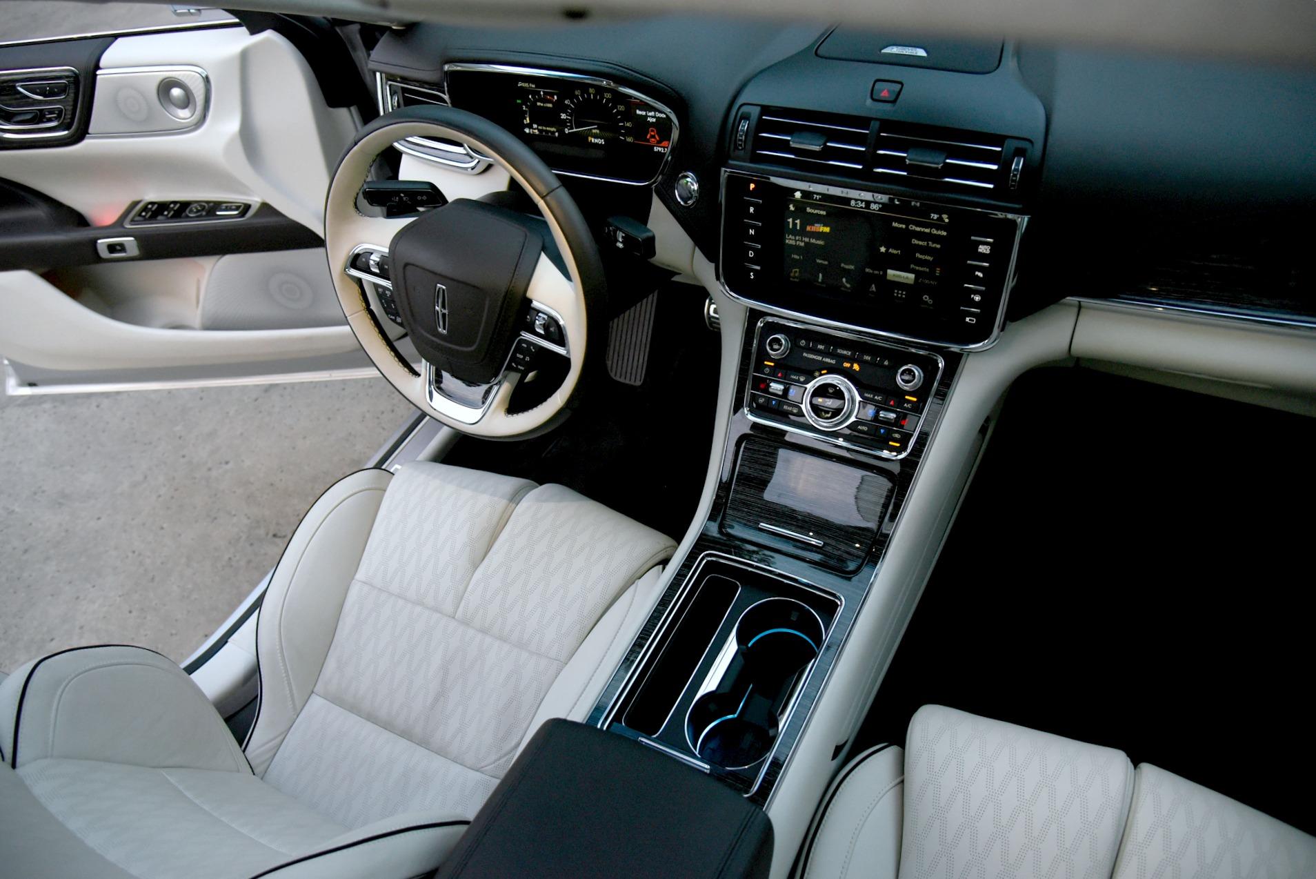 Lincoln-Continental-Black-Label-Interior