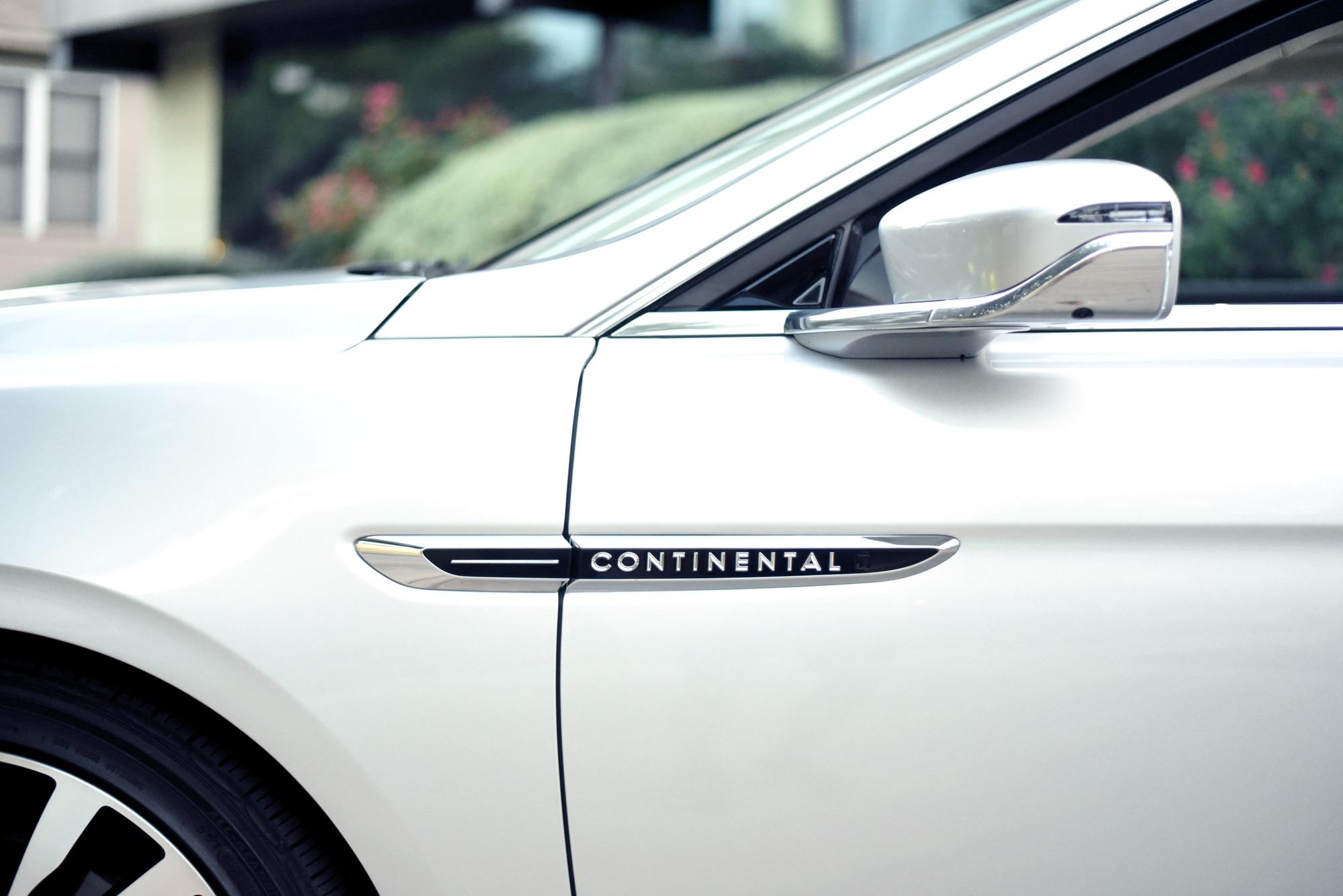 Lincoln-Continental-Black-Label-Exterior-Mirrors