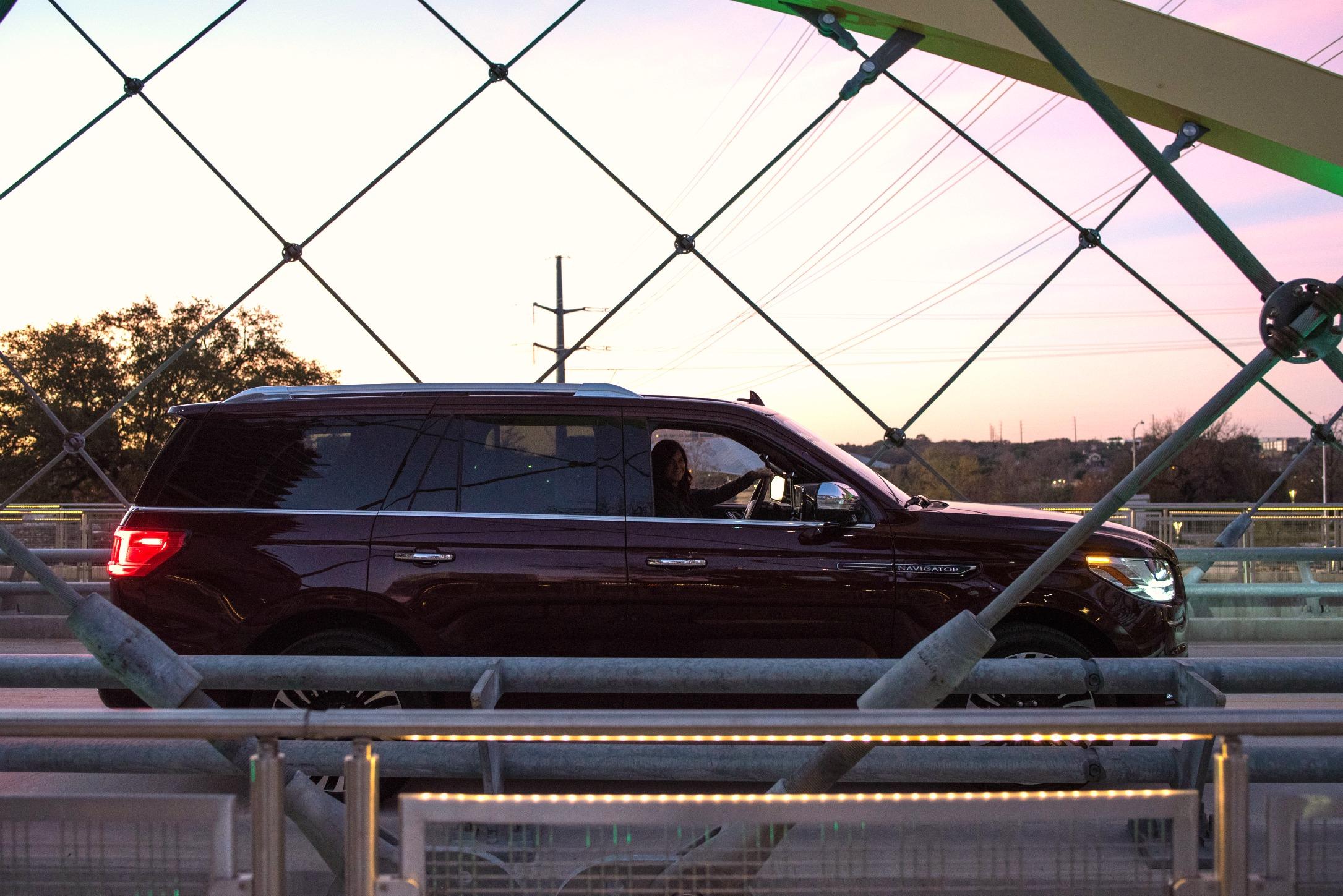 LincolnNavigator-Bridge.jpg