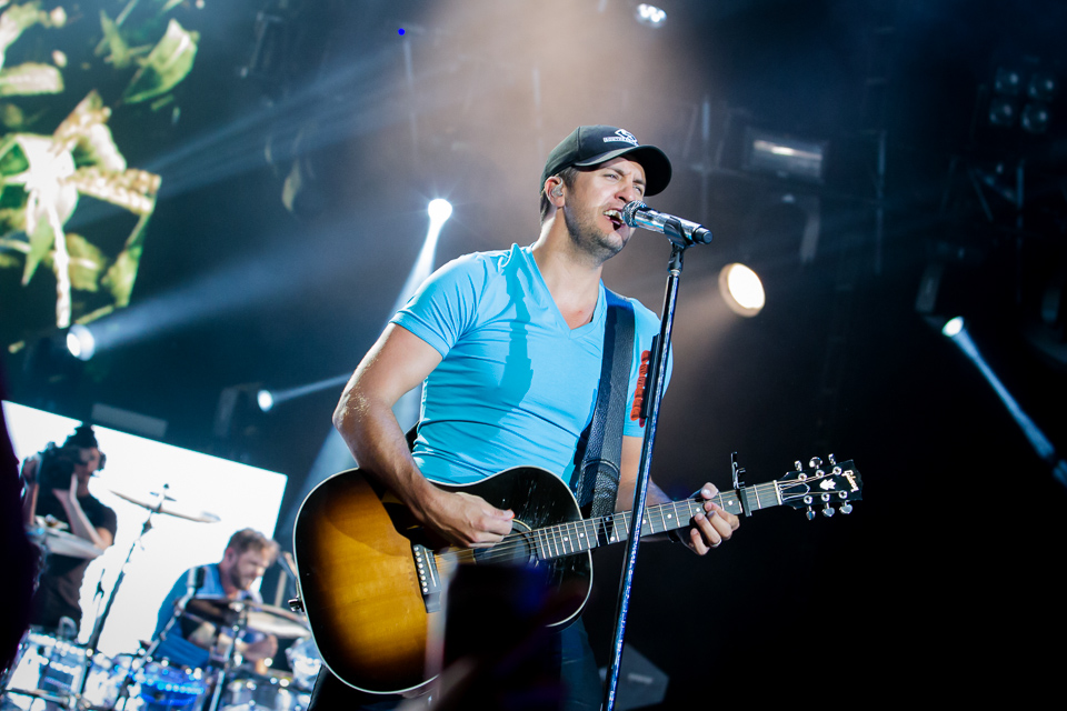 Luke-Bryan-Verizon-Wireless-Amphitheater-03-9622.jpg