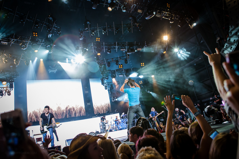 Luke-Bryan-Verizon-Wireless-Amphitheater-05-3483.jpg