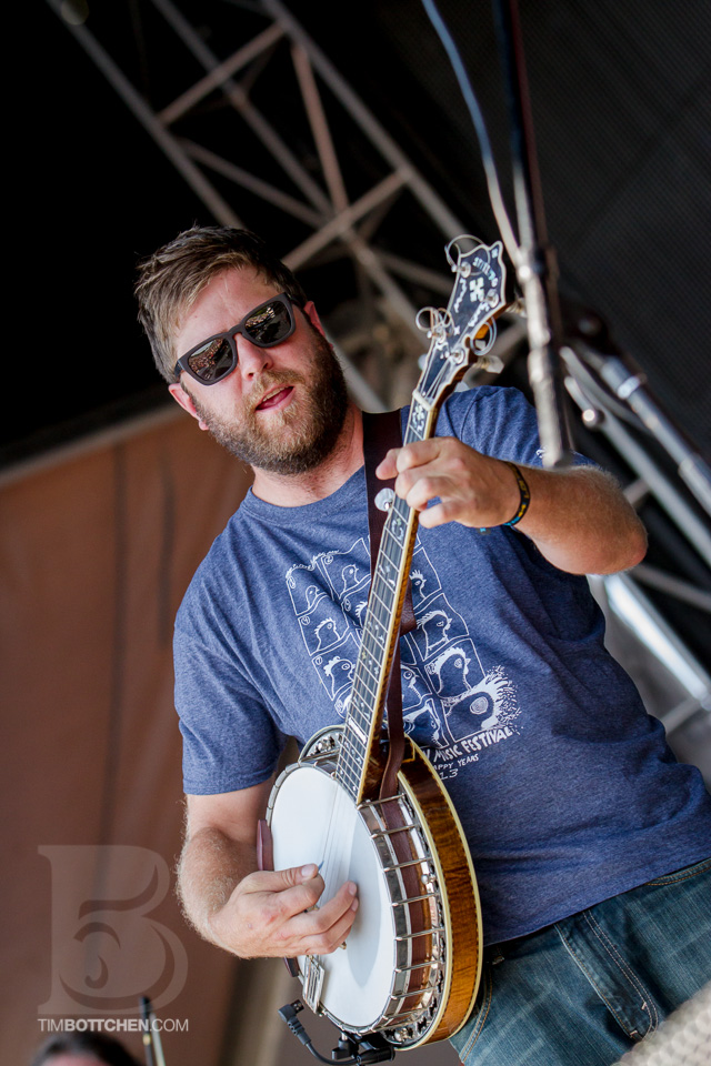 LouFest-Trampled-By-Turtles-05-4831.jpg