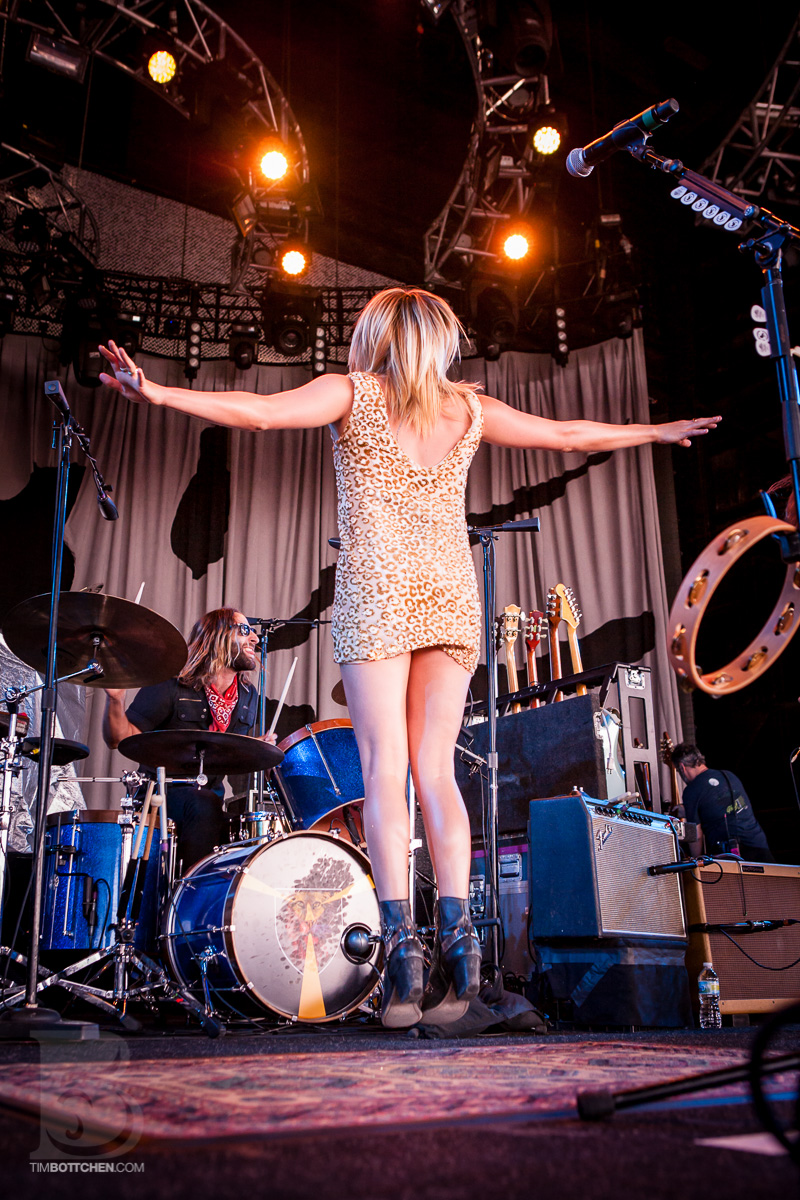 Grace-Potter-and-the-Nocturnals-Verizon-Wireless-Amphitheater-03-6764.jpg