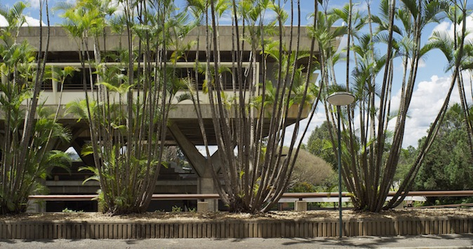 MDFF-09_The Airstrip_Ambasciata Italiana - Brasilia - Pier Luigi Nervi - 1979∏filmgalerie - 451 - heinz - emigholz.jpg