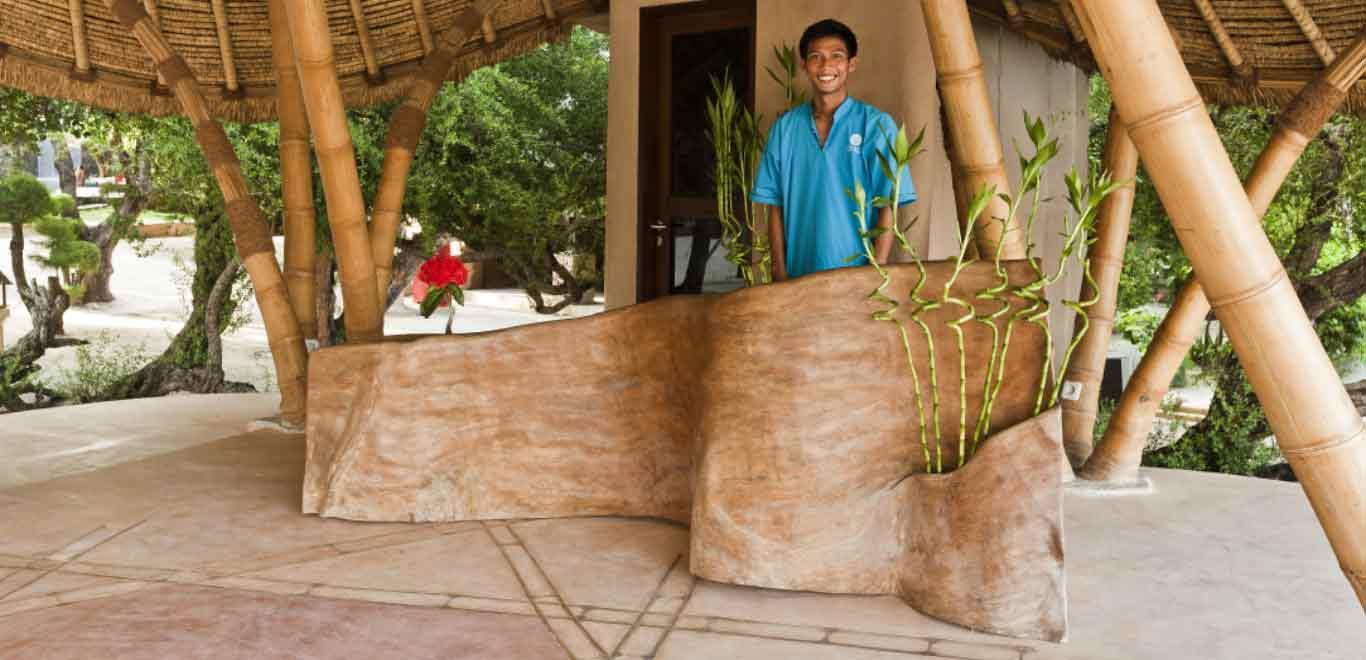 Gili-Trawangan-Lombok-Hotel-Rooms-Facilities-Lobby-Front-Office-Desk-02.jpg