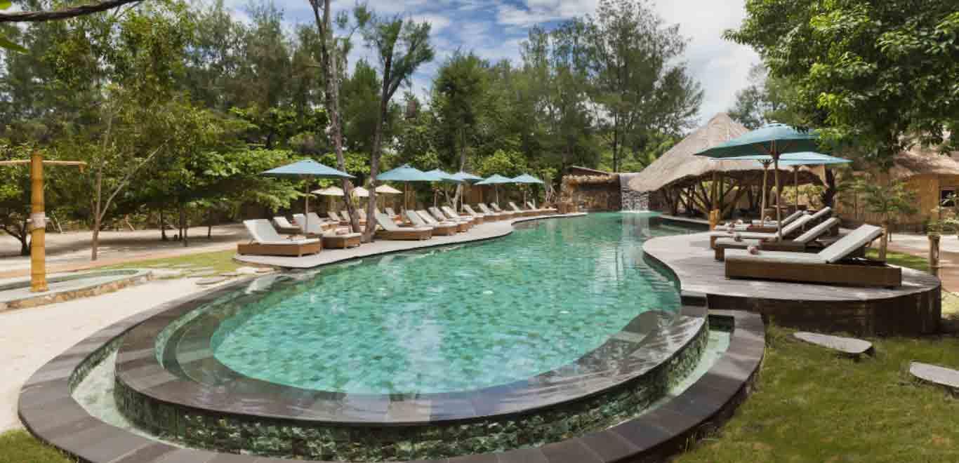 03-Gili-Trawangan-Lombok-Hotel-Rooms-Facilities-Swimming-Pool-Swim-Pool-Bar-03.jpg