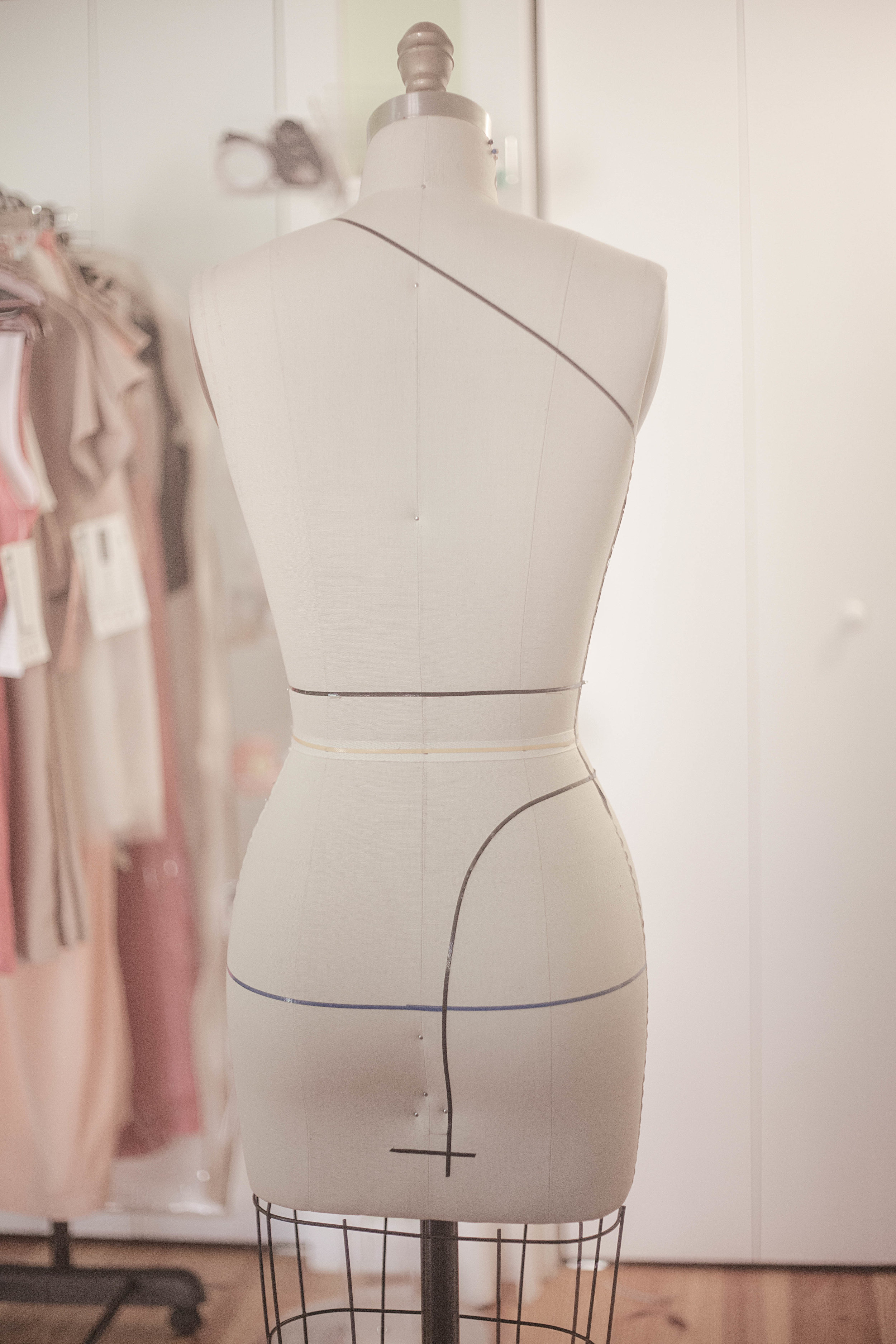 Professional_fashion_designer_dress_form_pgm