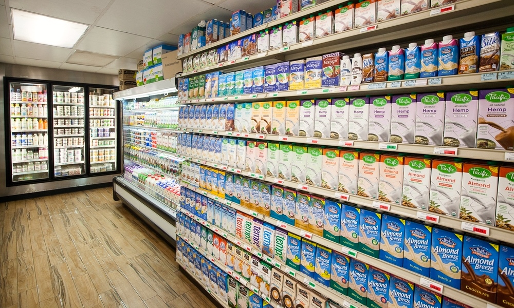 milk-yogurt-section-mana-foods-grocery-paia-maui.jpg