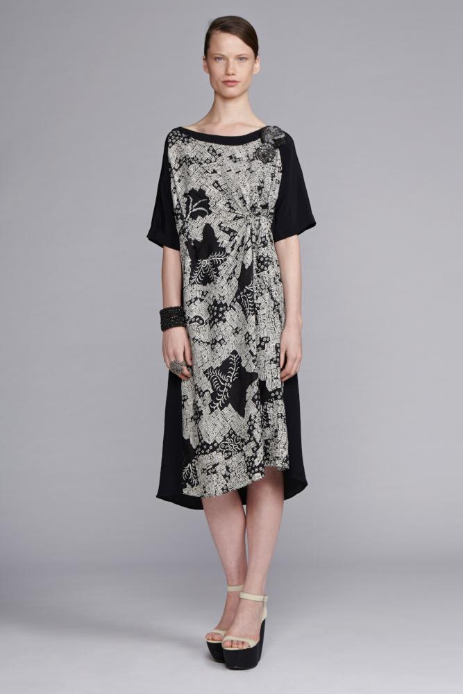 745/S141540 Spiral Shibori Sleeved Dress with Tuck
