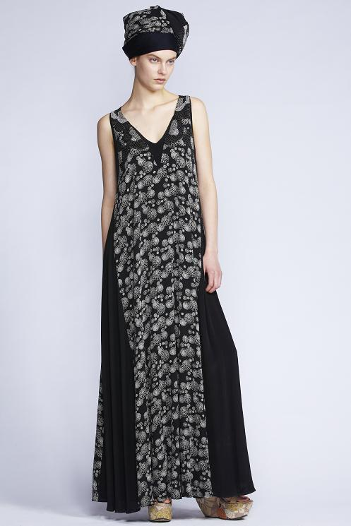 212/ F130912B V-neck Panelled Maxi Dress    900/F137465 Abstract Peony Scarf