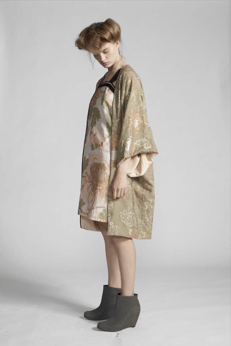210/S19082 Reversible Kimono    220/S11432 Strap Dress
