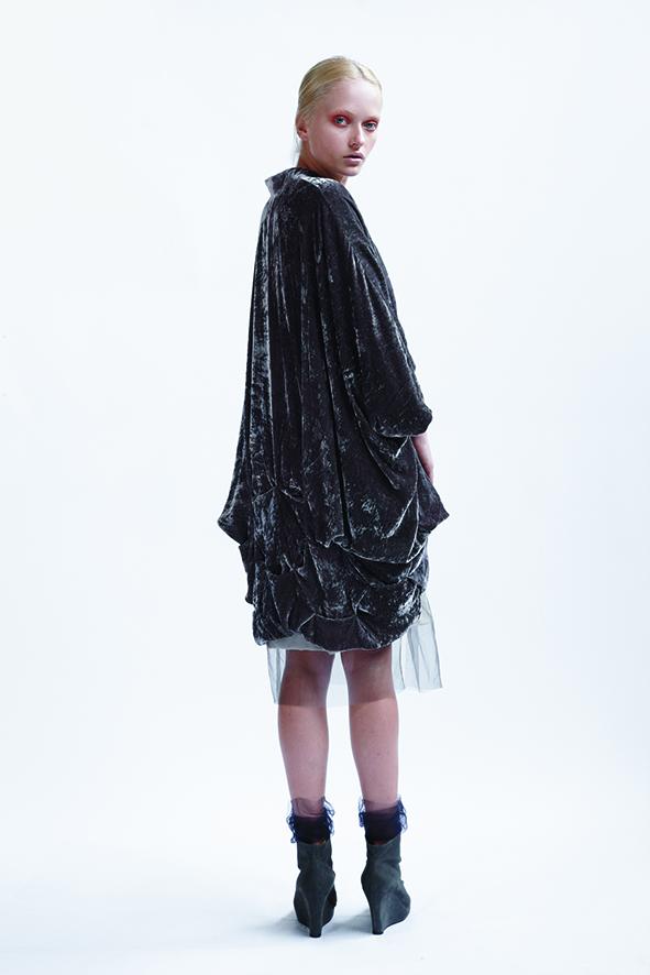 125/A01403 Tucked Neck Dress with Slash Armhole    155/A09074 Origami Kimono Coat