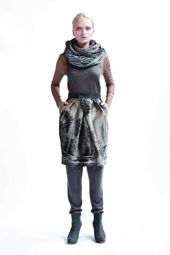 205/A03365 Paneled Long Sleeve Top    165/A05208 Tucked Waist Skirt    210/A06116 Loose Leggings    900/A07406 Shibori Velvet Scarf