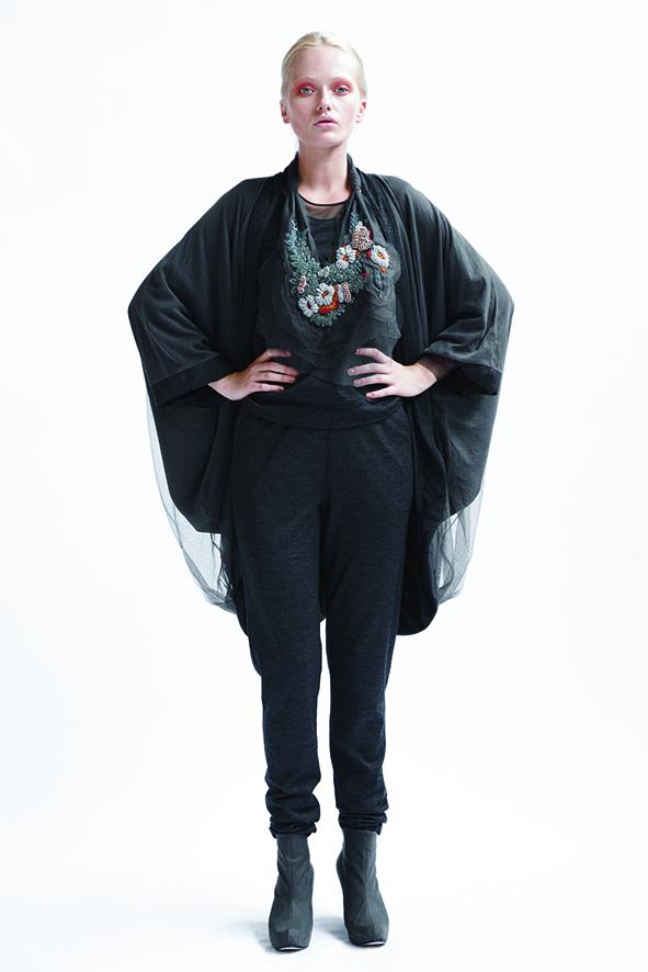 210/A09074 Origami Kimono Coat    205/A03365 Panelled Long Sleeve Top    210/A06116 Loose Leggings