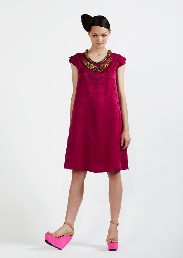100/S91344 Silk Jacquard Dress with Metal Sequins    900/S97359 Metal Embroidered Necklace