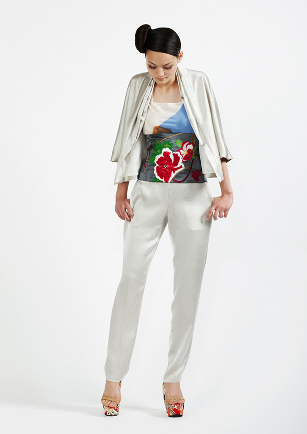 110/S98187 Silk Satin Layered Jacket    105/S93342 Hand Painted Bias Top    110/S96107 Silk Satin Slim Pants     900/S97357S Obi Wide
