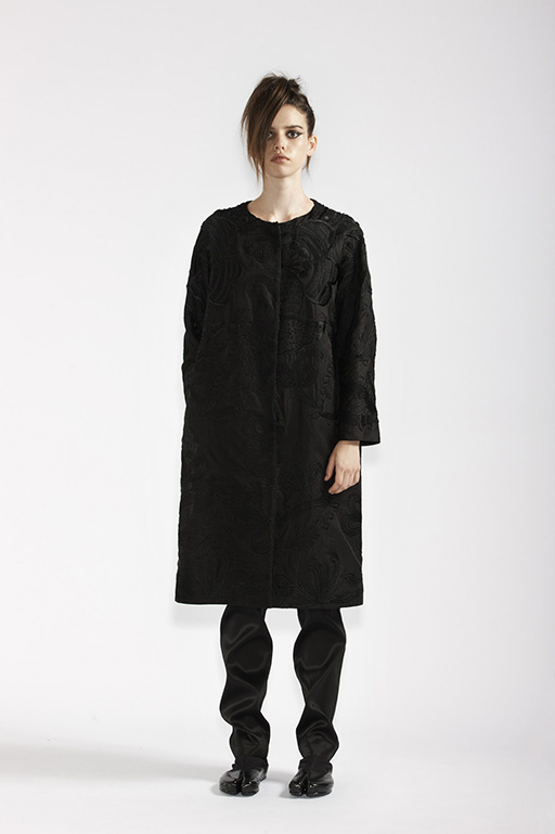 115/A96107 Slim Pants    100/A99063 French Embroidered Evening Coat