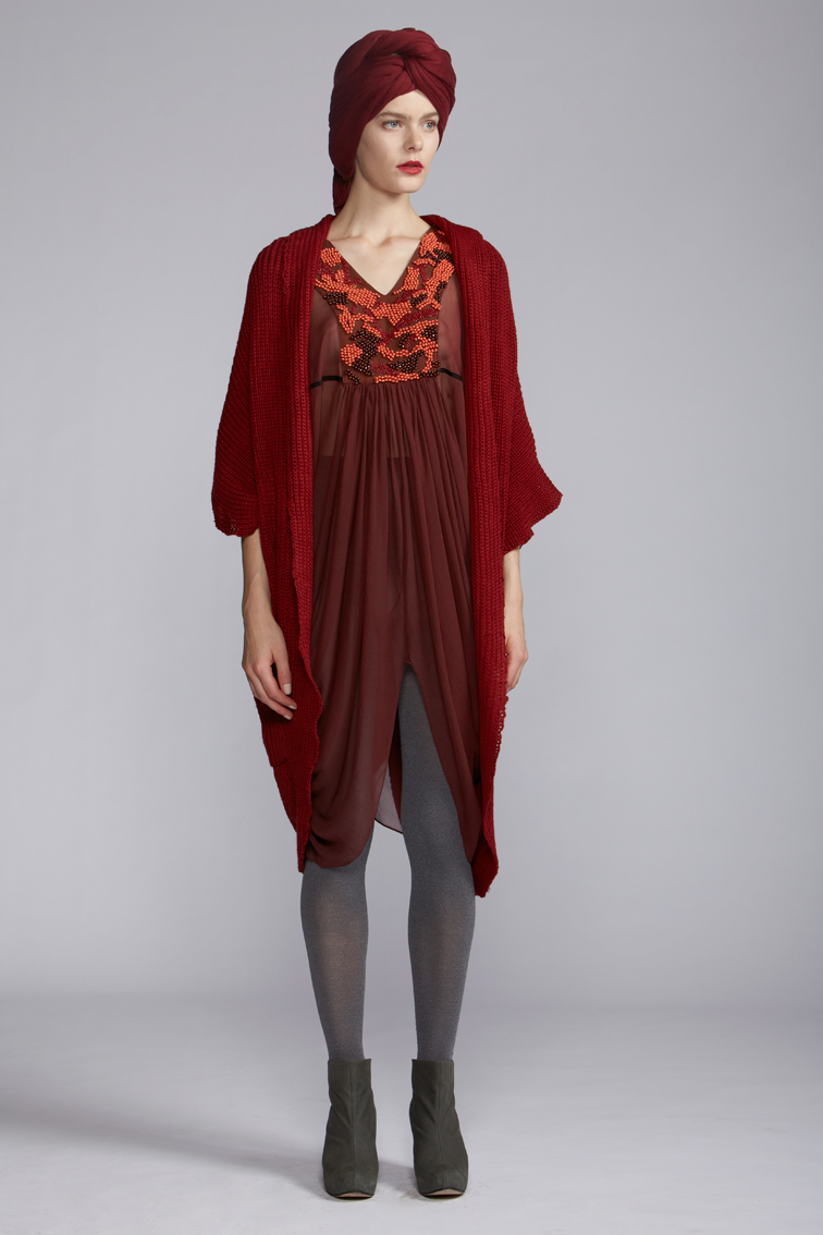 410/A120107 Draped V-neck Tunic    860/A129093 Cocoon Long Vest    900/A127460 Cashmere Scarf