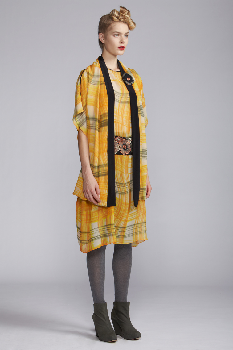 400/A120125 Kaftan with Belt    900/A127458 Hand Painted Scarf