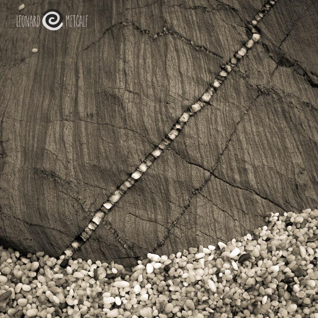 Quartz seam, Sapphire Coast NSW © Leonard Metcalf 2013