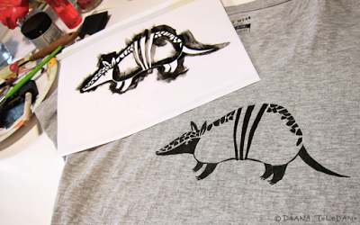 Armadillo Stencil for a homemade T-shirt by Diana Toledano
