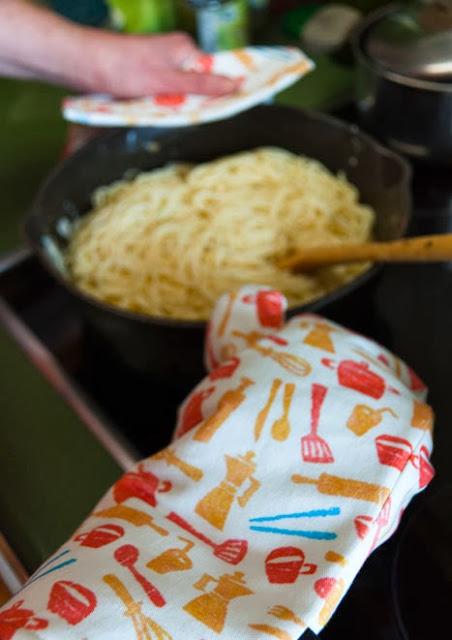 potholder and kitchen mitt orange and blue pattern by Diana Toledano