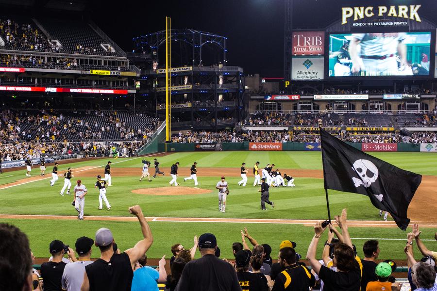 The Pirates win in walk-off fashion.