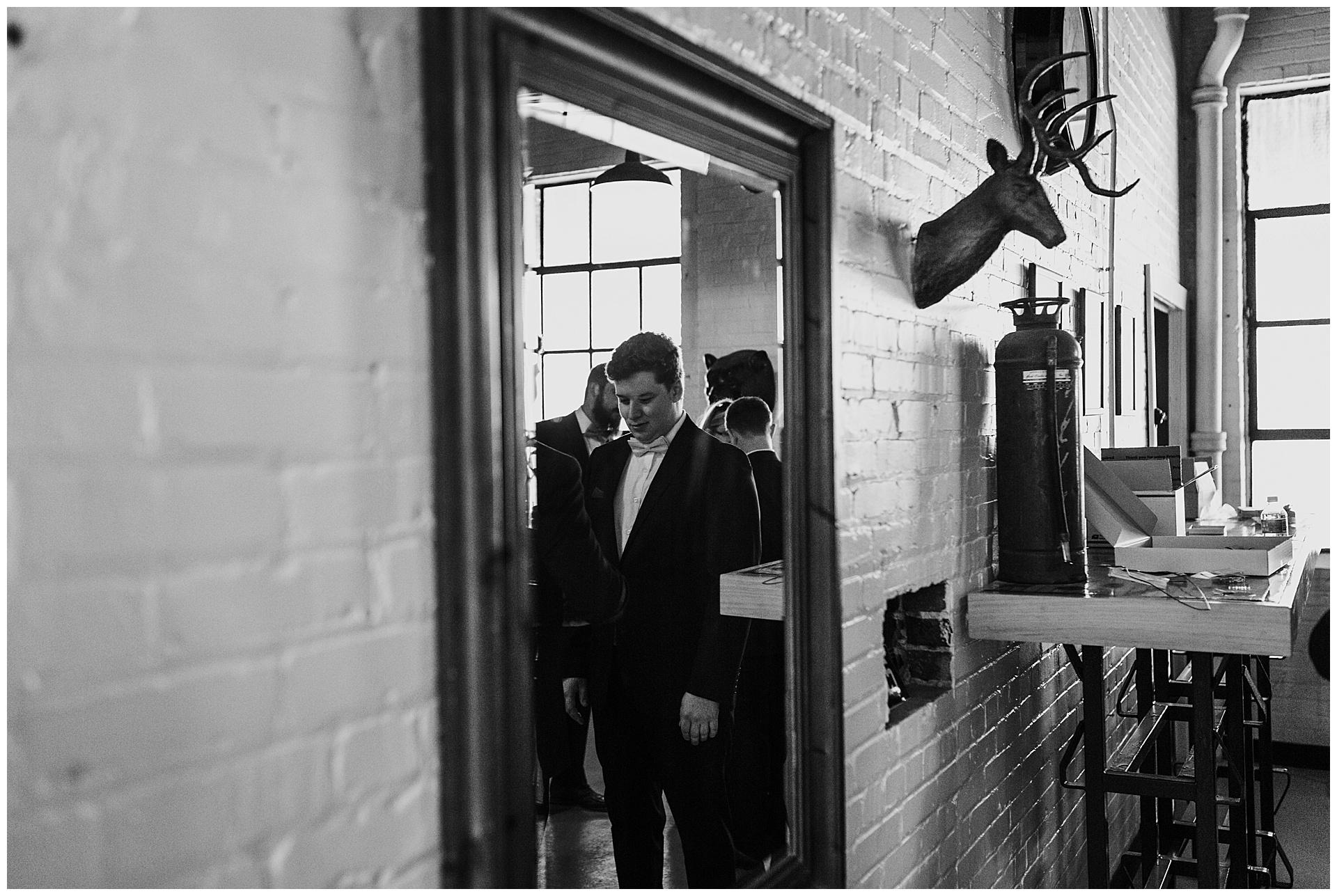 treaty oak glass factory wedding_mia dimare photography13.jpg