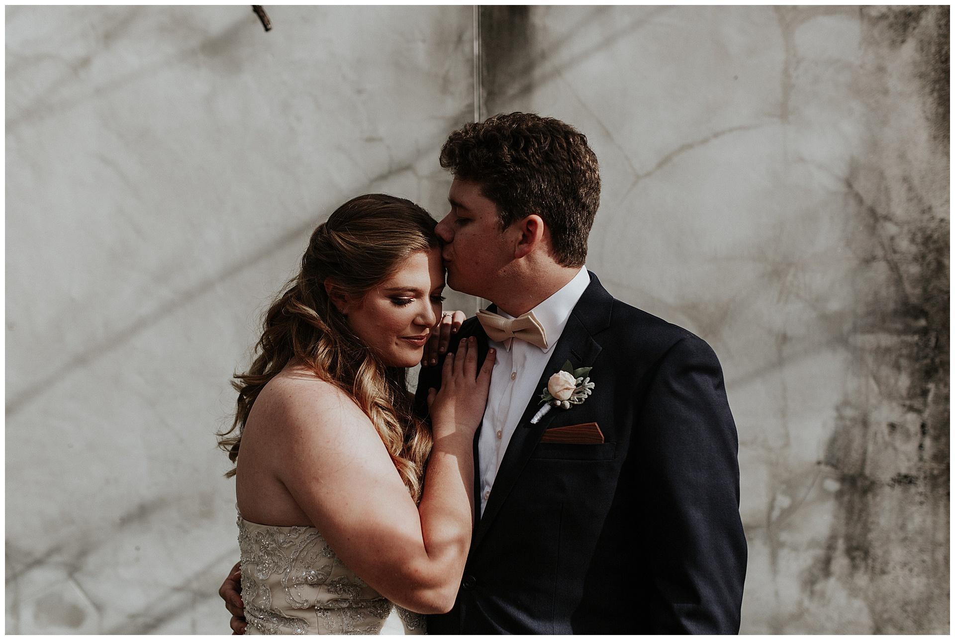 treaty oak glass factory wedding_mia dimare photography19.jpg