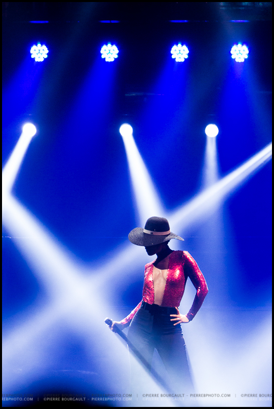 Alicia Keys  |  Photo: Pierre Bourgault
