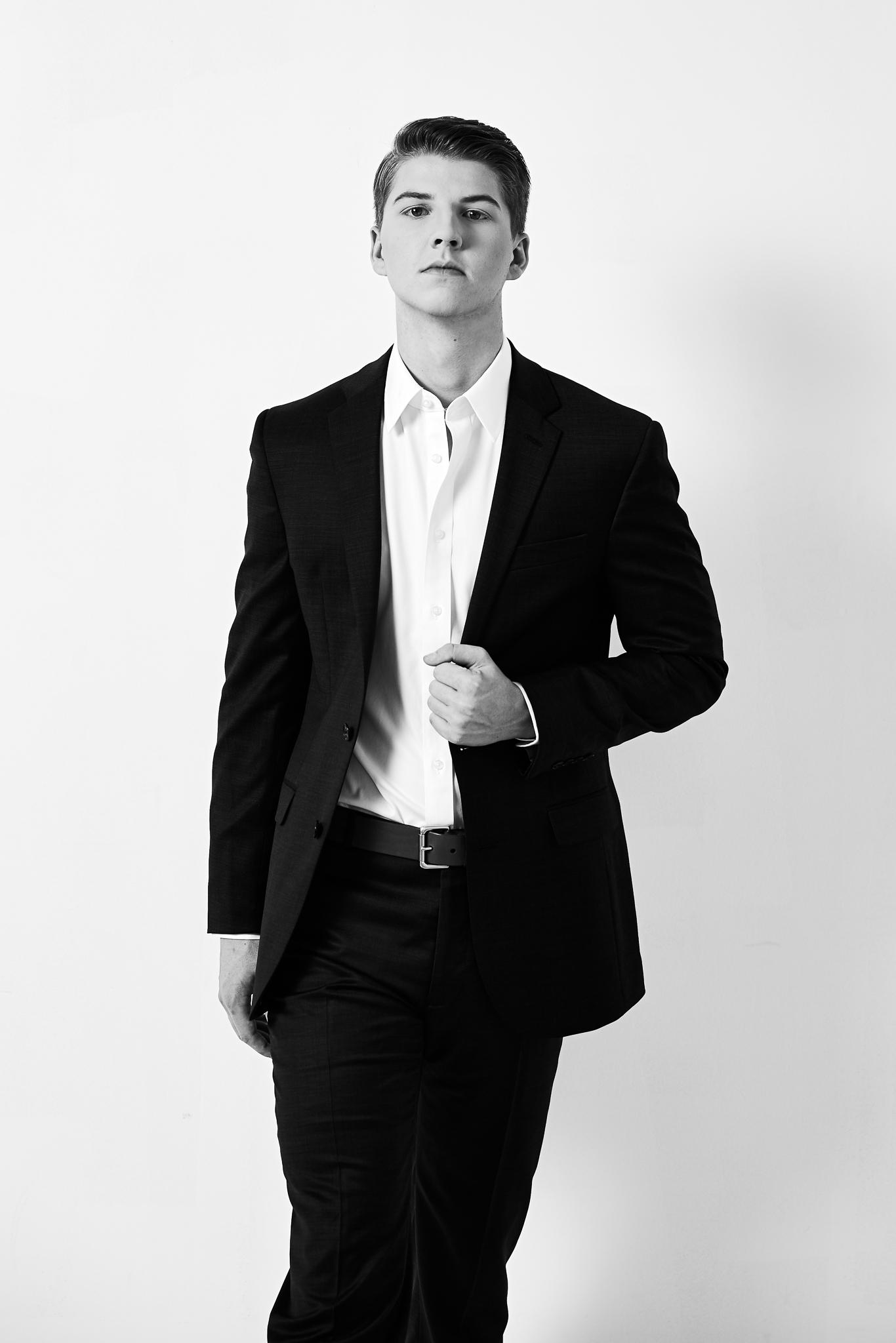 Hayden Scheuer Senior Portrait2085.jpg