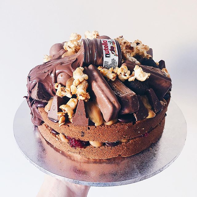 I'M NUTELLING YOU MY SECRET. Coz if I did, then things would be pretty scandalous. Much like how I paired dulce de leche with jam, Nutella, raspberries and popcorn. So so scandalous. Cue Mis-Teeq.