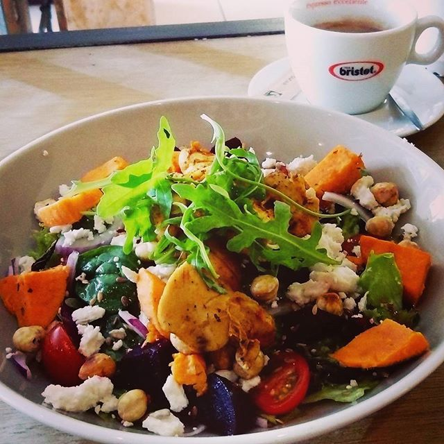 When you can't decide what to have so @wiola_sz._ makes you a salad with all your favourite things to go with your @bristot.ie americano #salad #healthy #chicken #sweetpotato #beetroot #lemon #starving #37westcafe #galway #nuig #uchg #wildatlanticway #coffee #americano #bristotireland #lunch #fitfam