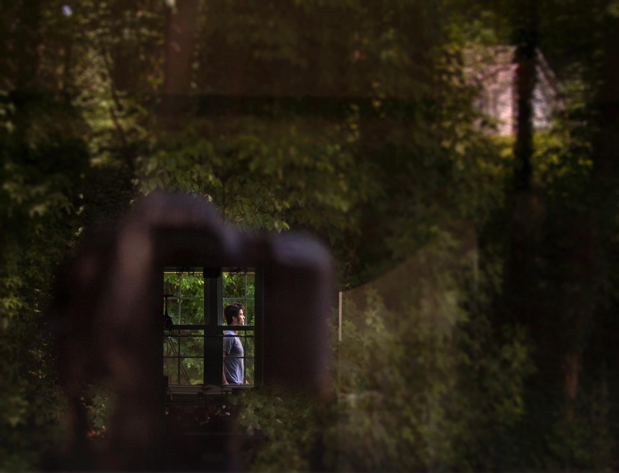camera_reflection_window.jpg