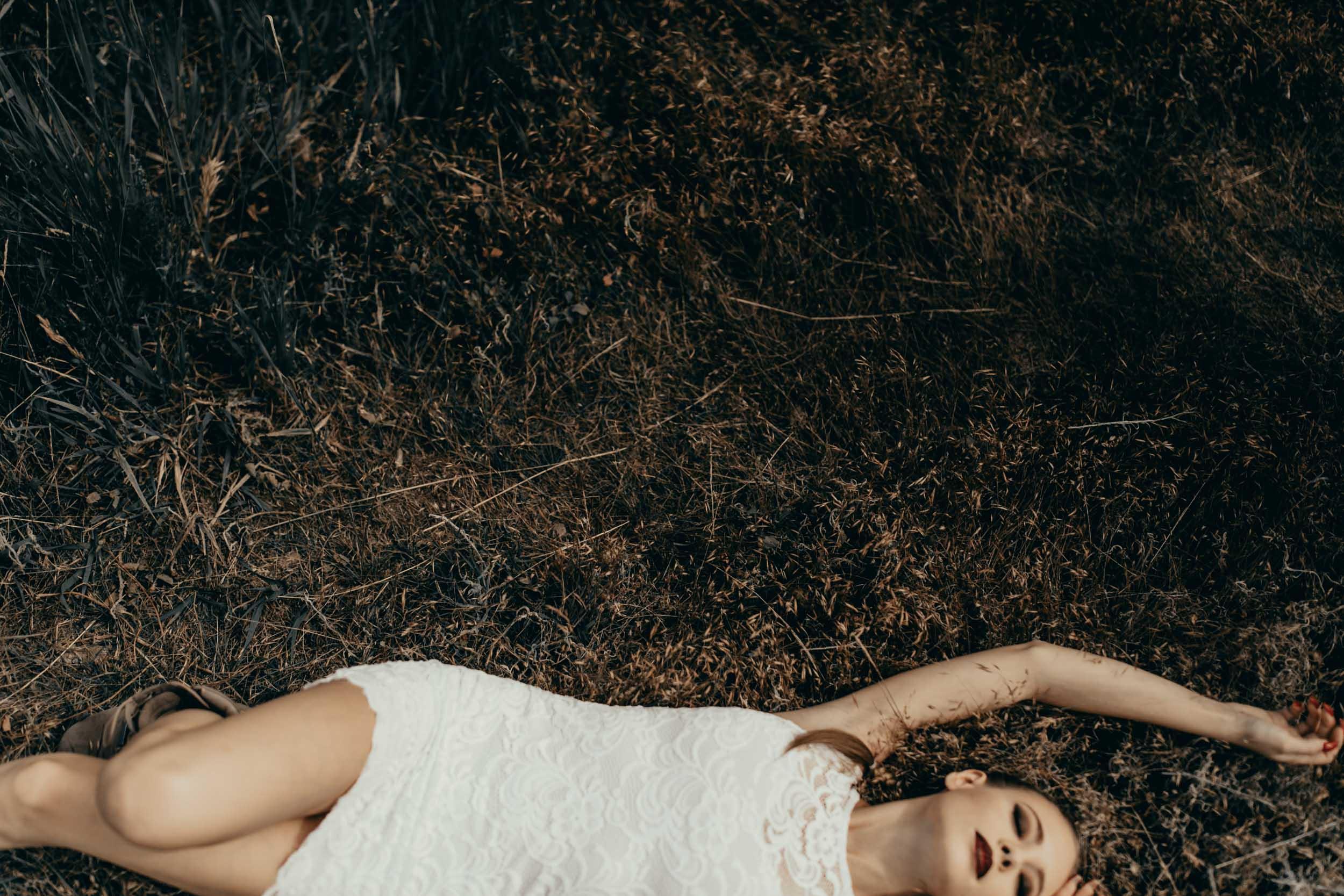 ashley-alternative-bride-photography-3.jpg
